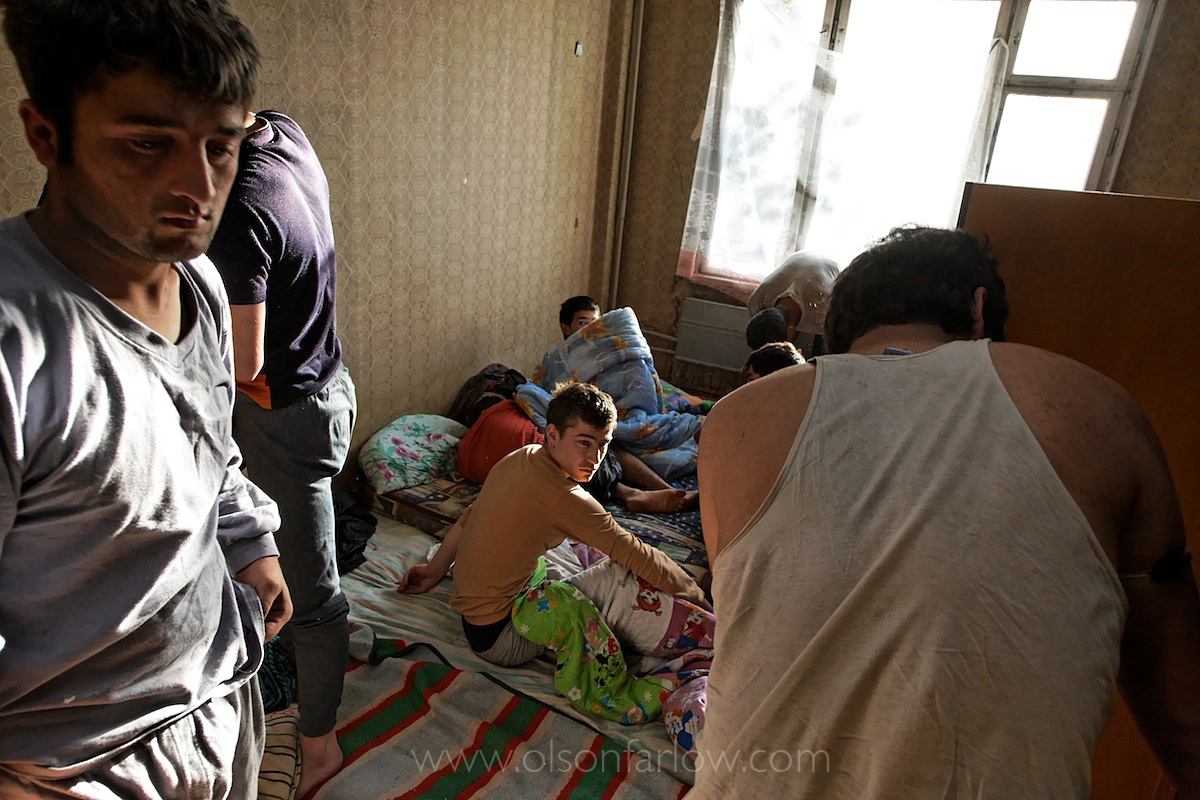Immigration Service Raid Squatter Area | Moscow, Russia
