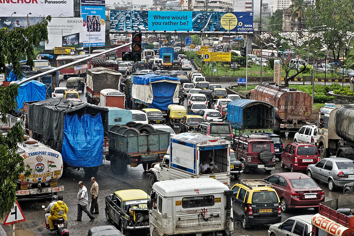 Crowded Road and Intersection | Roads Over Run in Mumbai, India