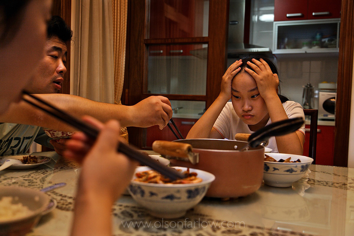 """Youth in China: """"There is Still a Generation Gap"""", Says Bella"""