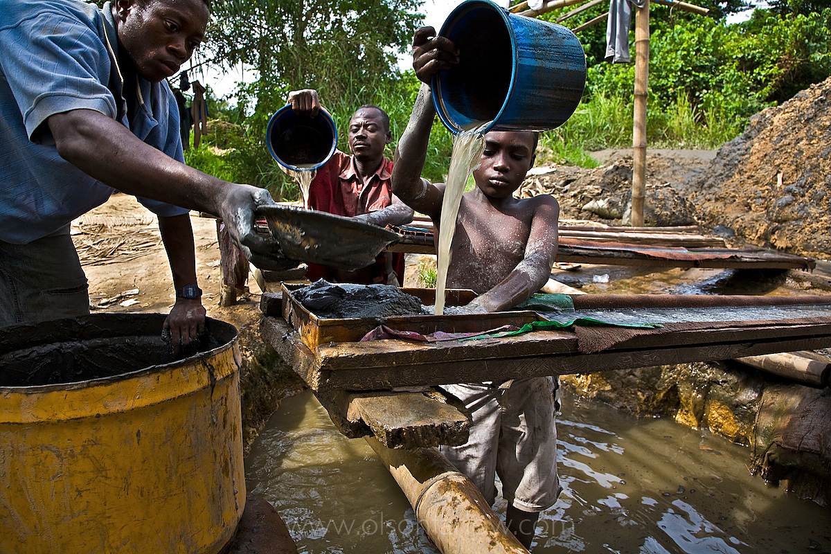 Illegal mining – 25 percent of the world's gold | Child Labor | Ghana
