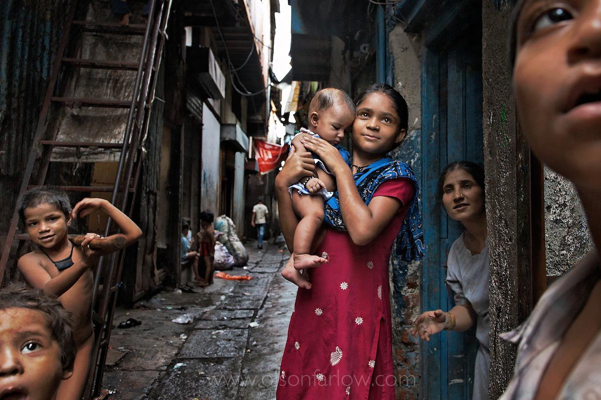 Large Indian Family in Dharavi Slums | Mumbai (Bombay), India