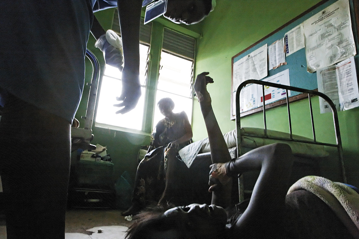 Birth on Floor of Maternity Ward | Mulago Hospital | Kampala, Uganda