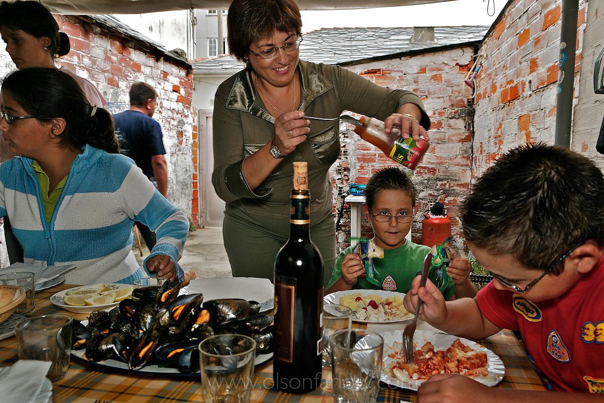 Spanish Family has Paella dinner in Vigo