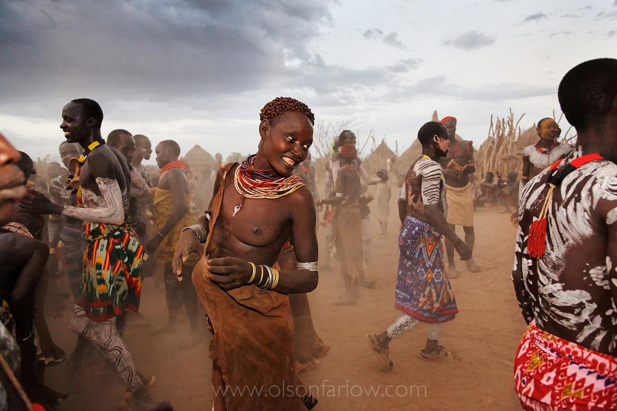 Omo Women Dance
