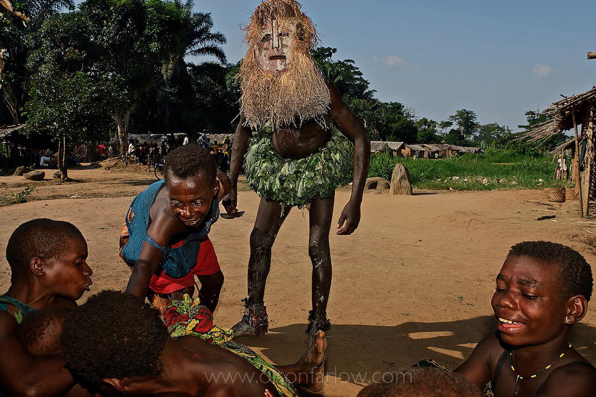 Medicine Man Bantu Fake Pygmy in Salate | DR Congo